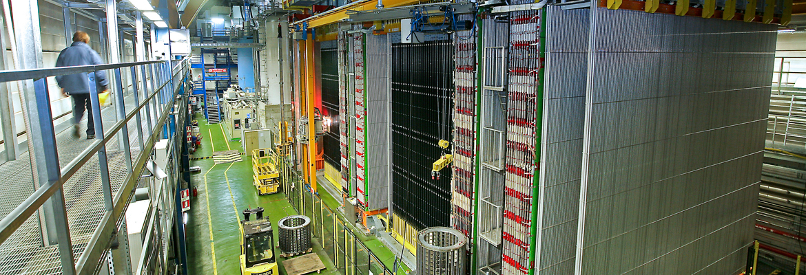 OPERA collaboration presents its final results on neutrino oscillations.